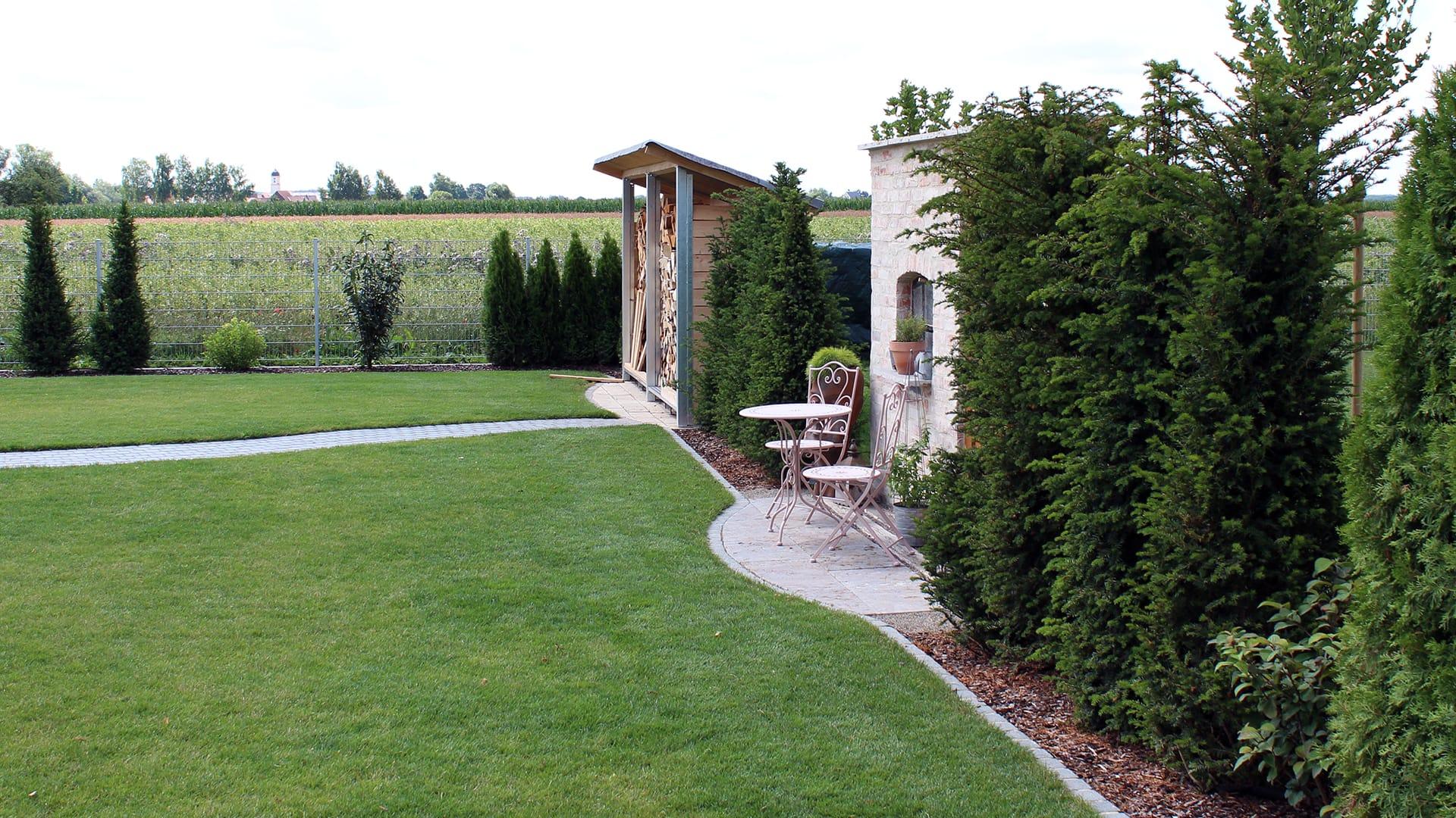 Mit Langjähriger Erfahrung Und Fachlichem Know How Setzen Wir Alle Ihre  Gestaltungideen Um Und Verwandeln Ihren Außenbereich In Eine Attraktive  Landschaft ...